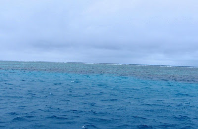 But outside Cairns: Blue water!