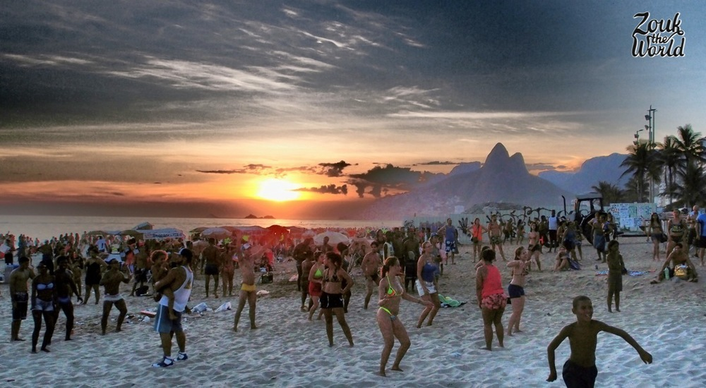 People dancing axé on the Ipanema beach in Rio