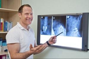 DR. ANDREAS KRÖNER   Facharzt für Orthopädie und orthopädische Chirurgie, Facharzt für Sportorthopädie