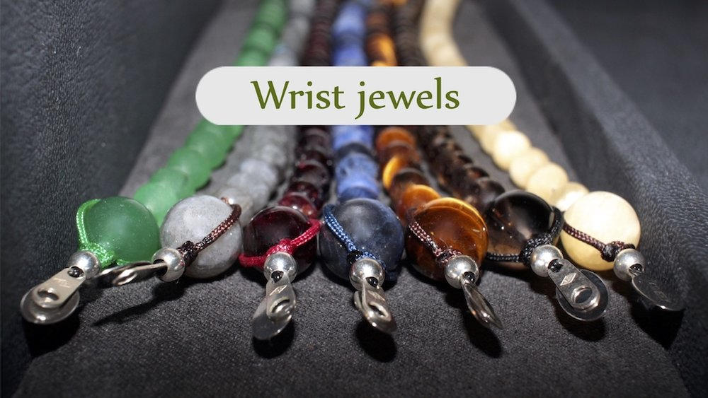 Wrist Jewels from the Atelier JAWERY