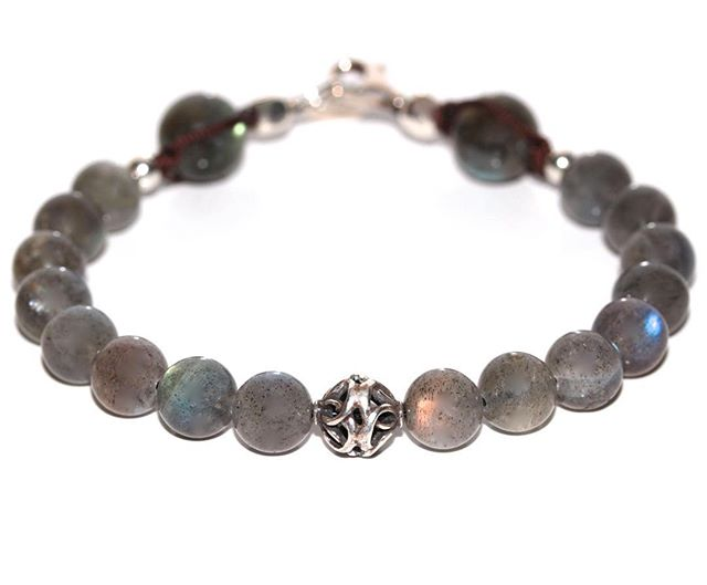 « When I first discovered the Labradorite stone with my friend Diego, I was astonished by the beauty of its reflects and the uniqueness of each piece, I had to put it in my collections ! »  #NoFilter #Labradorite #Bracelet #Aequilibrium #instajewelry #wristgame