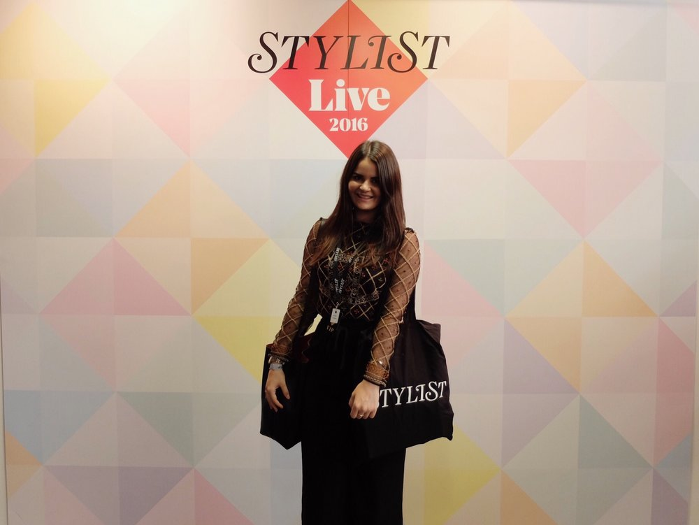 Stylist_Live_blogger_Review