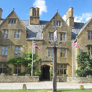 The Lygon Arms 77 bedrooms 7 meeting rooms Largest for up to 100 guests