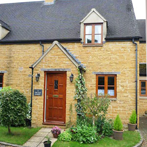 Brook Cottage Sleeps 4 Broadway More details...