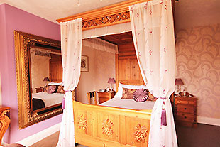 windrush-house-bed-and-breakfast-broadway-cotswolds-worcestershire-snowshill-room.jpg