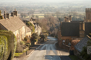 horse-and-groom-view-gastro-pub-and-bed-and-breakfast-bourton-on-the-hill-near-broadway-cotswolds.jpg