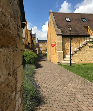 post-office-at-warners-budgens-broadway-worcestershire-cotswolds.jpg