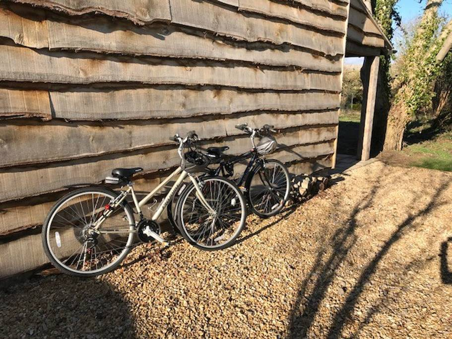 the-cotswold-way-studio-bikes-available-to-use.jpg