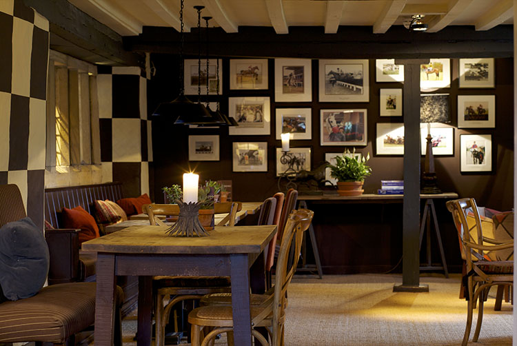 broadway-hotel-jockey-bar4-broadway-worcestershire-cotswolds-uk.jpg