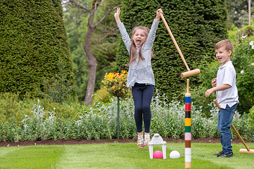 lygon-arms-croquet-gardens-children-family-broadway-cotswolds-worcestershire.jpg