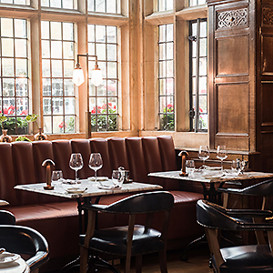 The Lygon Bar & Grill at The Lygon Arms Hotel