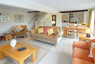 sheepscombe-byre-lounge2-self-catering-snowshill-broadway-worcestershire-uk.jpg