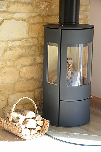 lily-rose-cottage-log-burner-broadway-worcestershire-cotswolds-england-uk.jpg