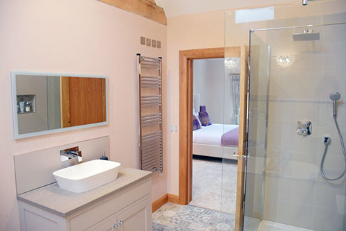 lily-rose-cottage-self-catering-bathroom-worcestershire-cotswolds-england-uk.jpg