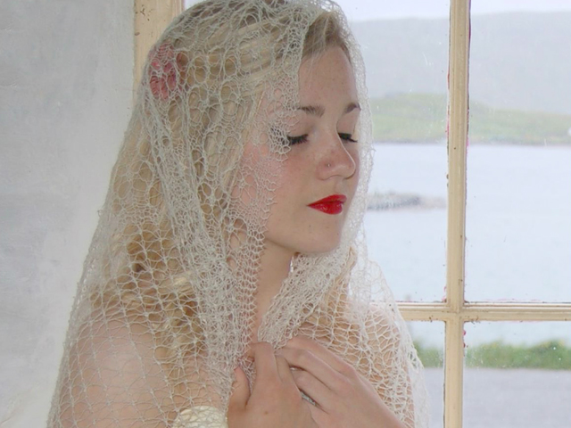 wedding-shawl-thumb.jpg