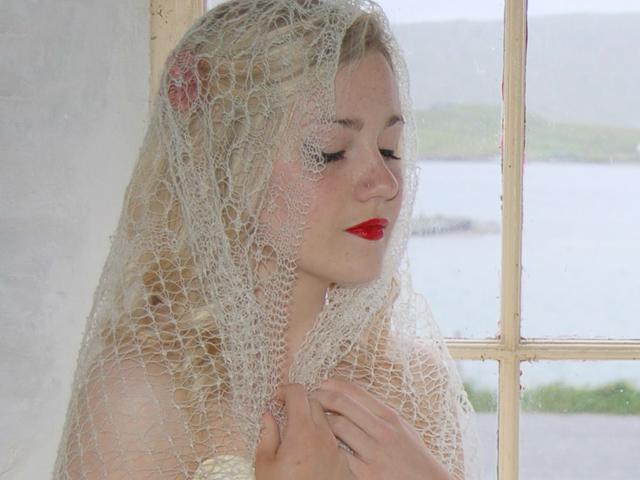 wedding-shawl-thumb.jpg