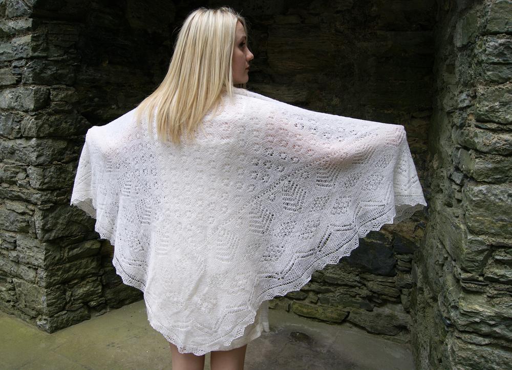 Knitting Patterns For Bridal Shawls : Wedding Shawls   Shetland Lace Shawls