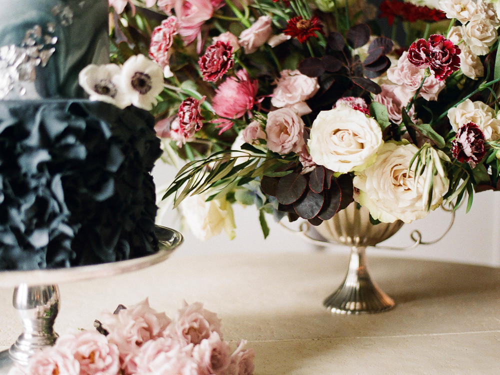 wedding flowers and cake