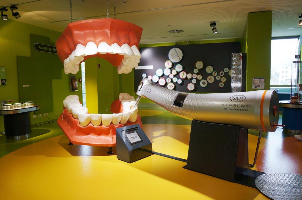 room-toy-drill-interior-design-dentist-teeth-758407-pxhere.com.jpg