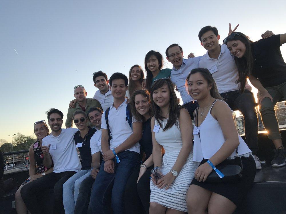 De crew van kickstart 360º, hét inspiratie-event voor startende tandartsen