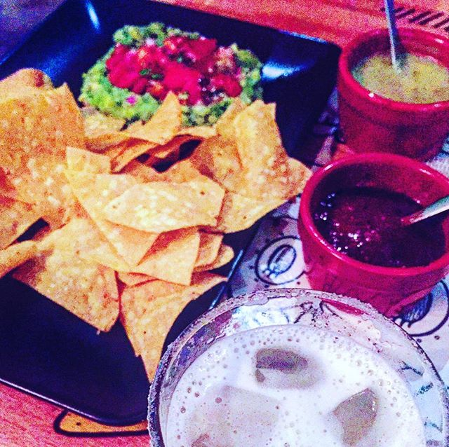Never underestimate the therapeutic power of margaritas & guacamole 🙏🏼#berlinisforlovers