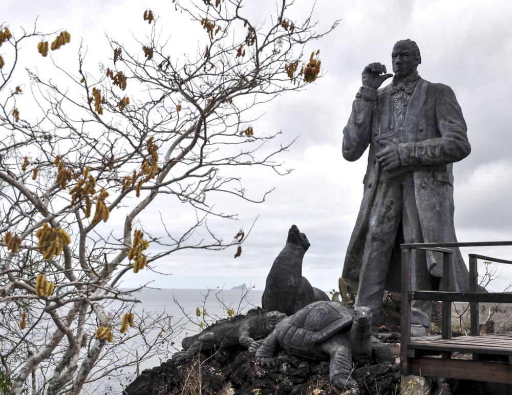 Charles Darwin statue edited 2.jpg