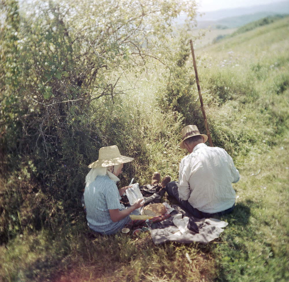 Lunch break (Siklód, Romania, 2005)