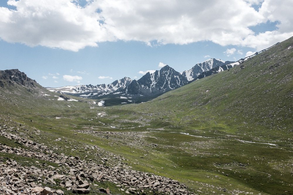 Mountains near the Otmok pass (3326m), Talas region