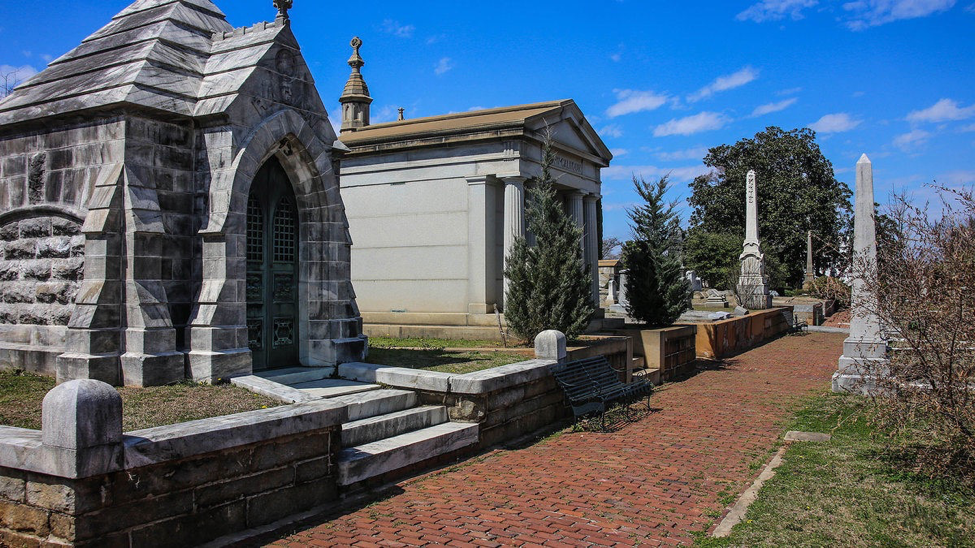 A row of sepulchres in the Oakland Cemetery in Atlanta.   photo by Paul Sableman, Flickr