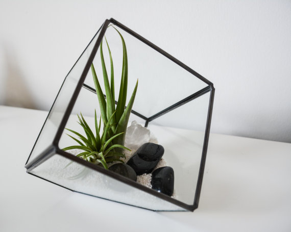 Modern Geometric Terrarium | Home Decor | www.foundandkept.com