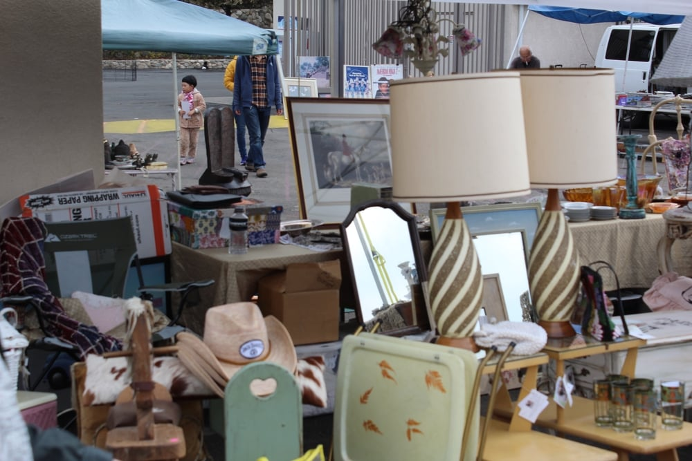 Rose Bowl Flea Market | Los Angeles | Interior Design | www.foundandkept.com