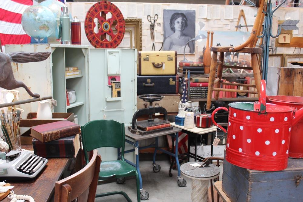 Urban Americana | Mid Century Design | www.foundandkept.com