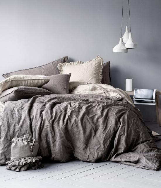 Friday Faves | Dreamy Bedding Sets | www.foundandkept.com