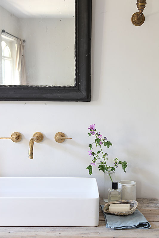 Friday Faves | Brass Moment | www.foundandkept.com