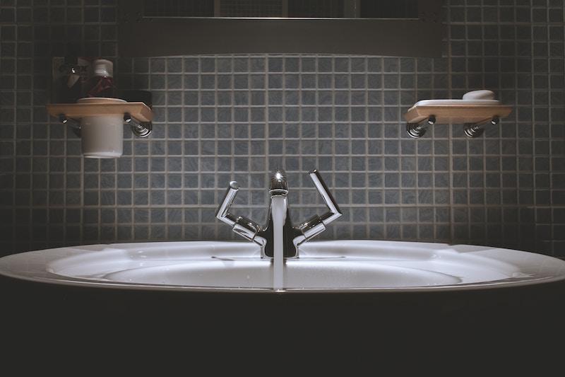 How-to-Plan-a-Bathroom-Remodel-Determine-Budget.jpg