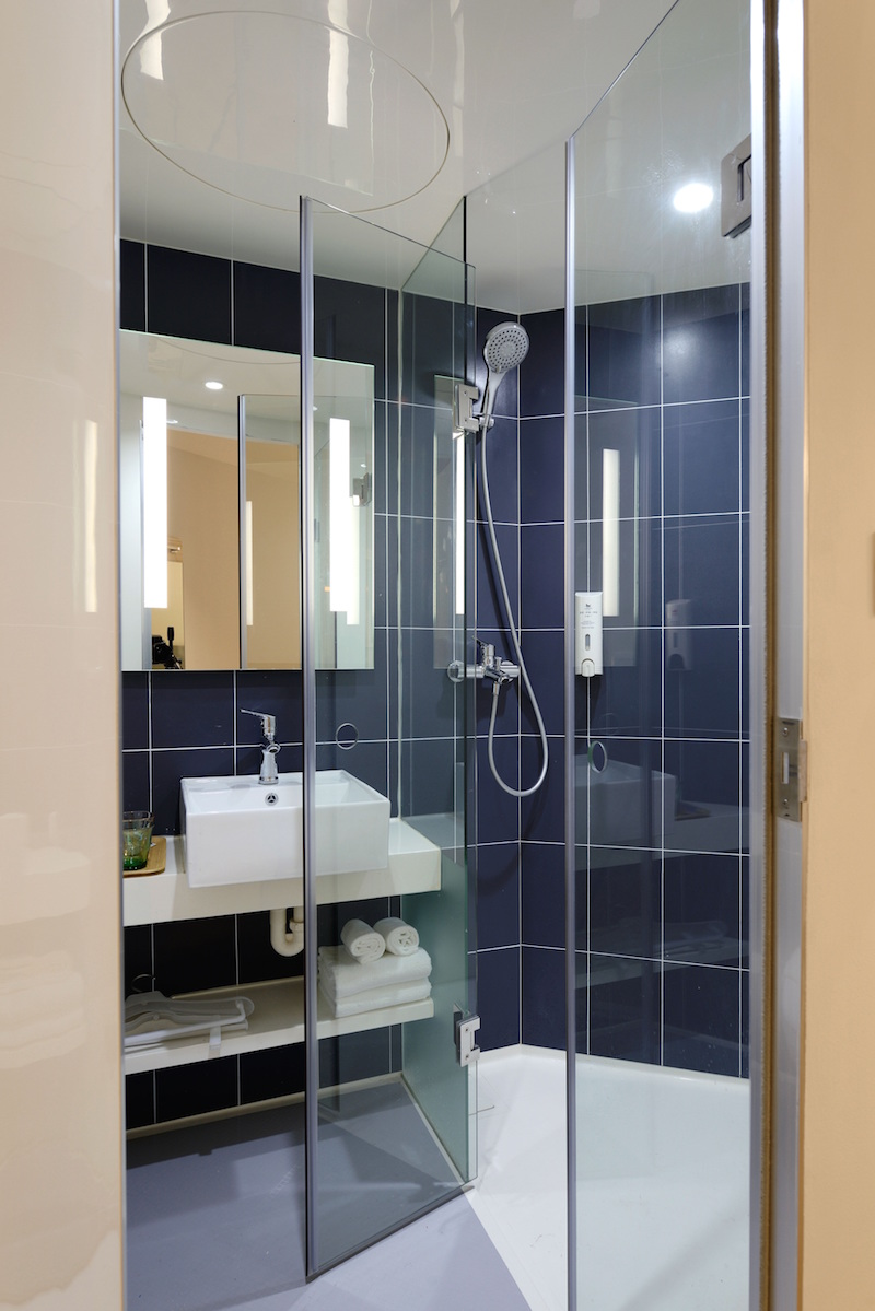 A Guide to Luxury Shower & Bath Features