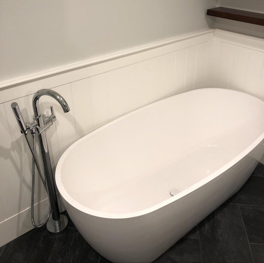 luxury-bathtubs-bathroom-personal-spa-north-shore-beverly-godfrey-design-build .jpg