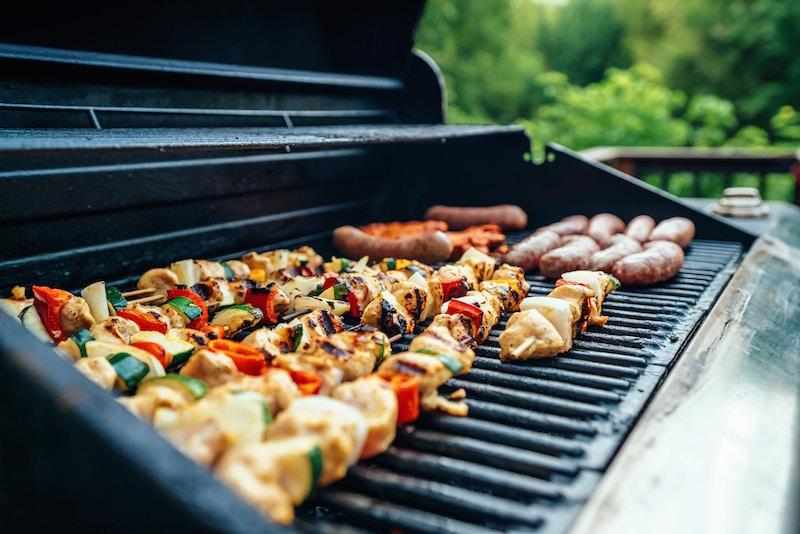 outdoor-kitchen-outdoor-living-space-ideas-north-shore-godfrey-design-build.jpg