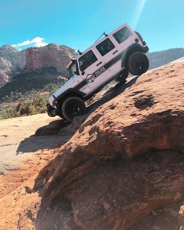 Fall weather is creeping into Sedona! If you're not on the trails, you're missing out! . #MYEJeep #MakeYourExpedition #sedona #az #arizona #sedonaaz #wandermore #wanderlust #adventuremore #adventuremobile #fun #outdoors #playmore #offroad #desert #4x4 #jeep #wrangler #devilsbridge #redrock #brokenarrow