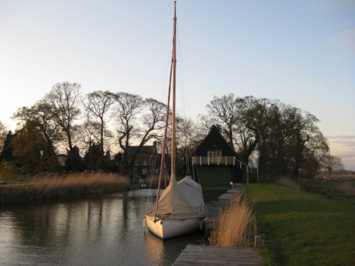 norfolk-broads-sailing.jpg