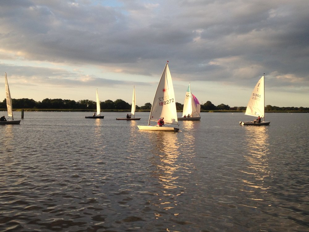 Hickling dinghy sailing 2.jpg