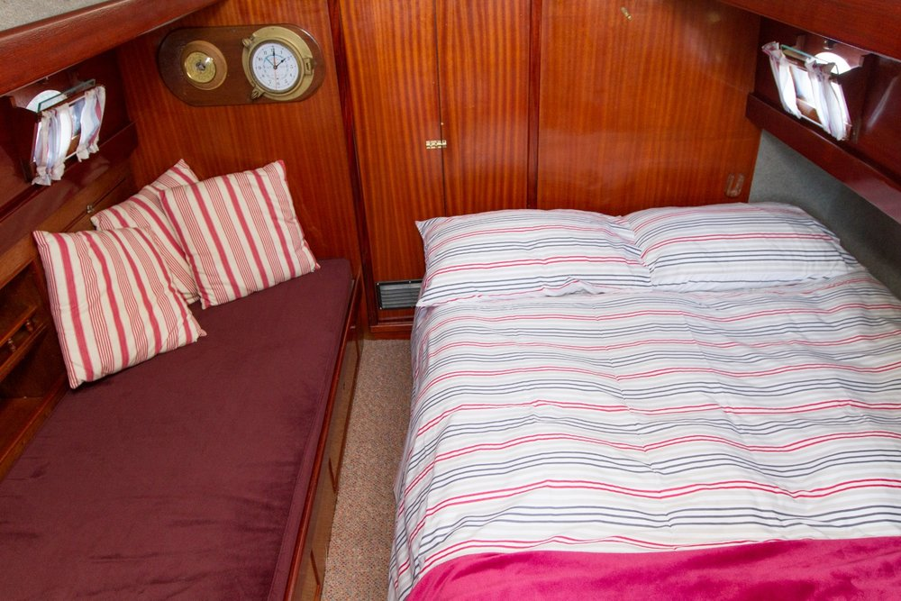 Double berth on Dreamtime .jpg