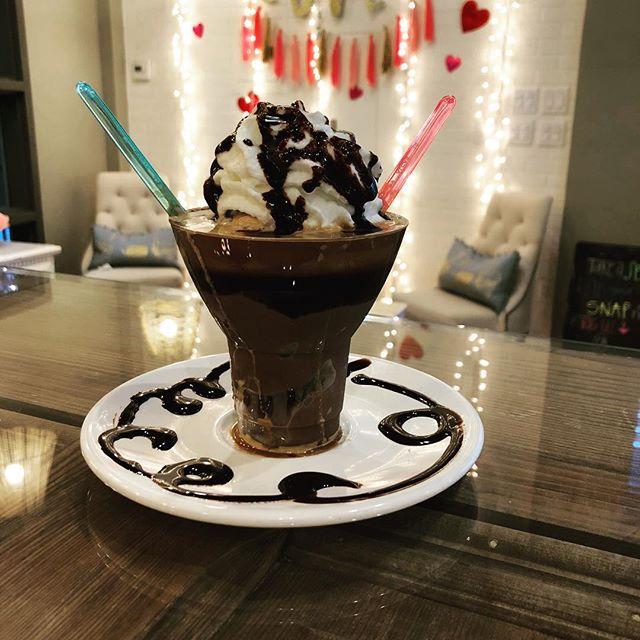 Chocolate Cherry Affogato 🍨🍫🍒#chocolatecherry #affogato #coffeeshops #love #valentinesday