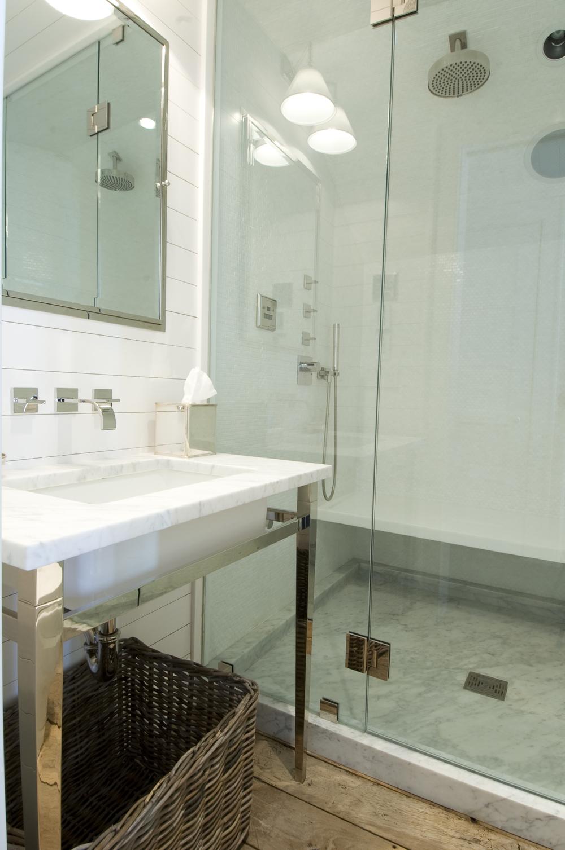 3rd fl bath7722.jpg