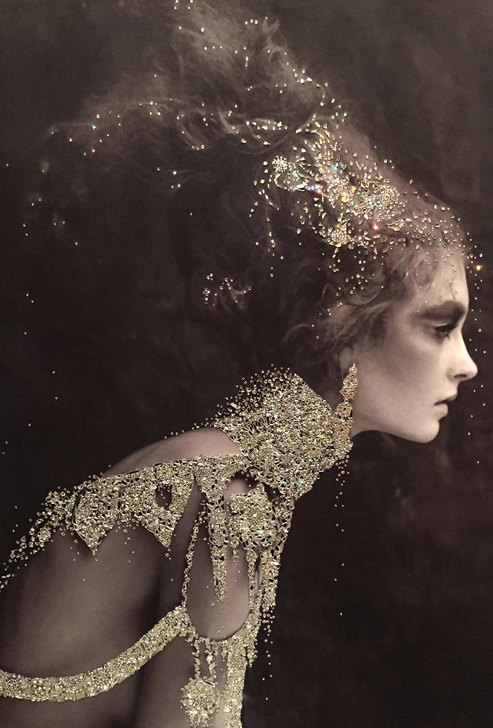 GUERRA - VanitartCollezione Le Regine GuerriereMisura 70x100 cmLavorazione in cristalli Swarovski e Specchi