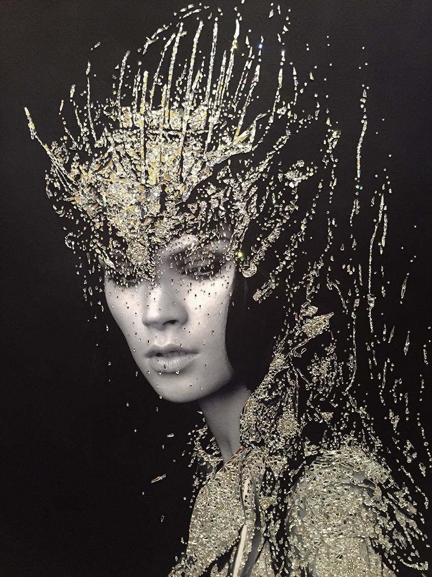 Atena - VanitartCollezione Le Regine GuerriereMisura 70x100 cmLavorazione in cristalli Swarovski e Specchi