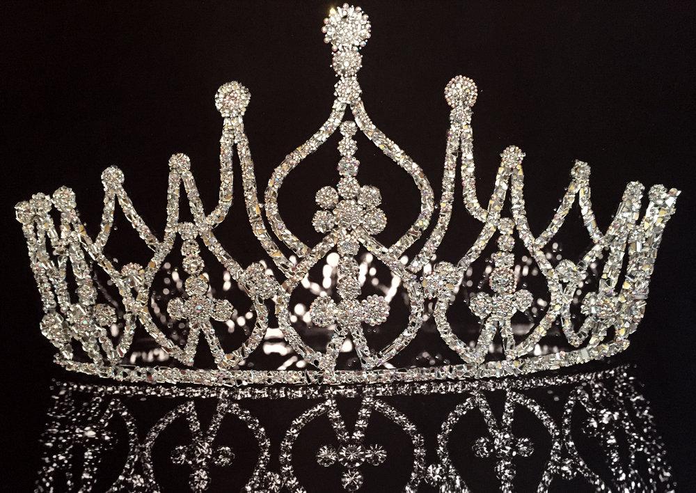 LA CORONA - VanitartCollezione La Corona ed il ViolinoMisura 100x70 cmLavorazione in cristalli Swarovski