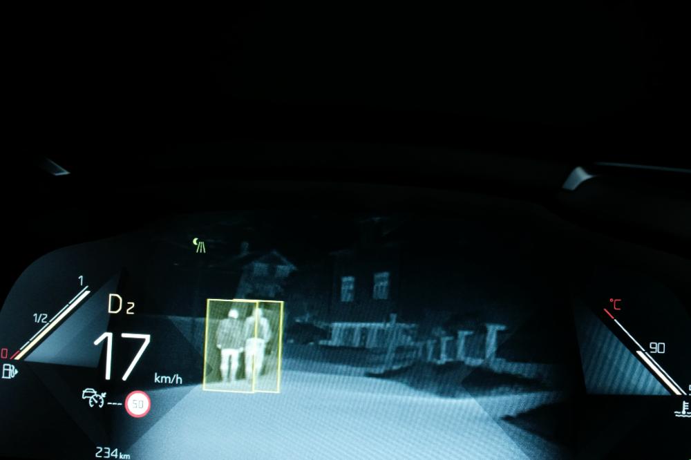 ds-7-night-vision-alesund-aaland-bil.jpg