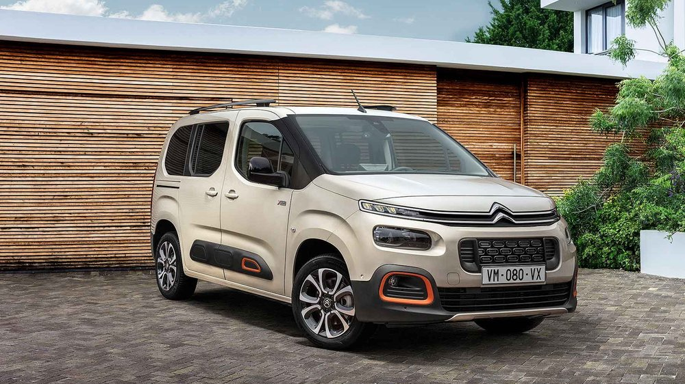 2018_Citroen_Berlingo_Multispace_03.jpg
