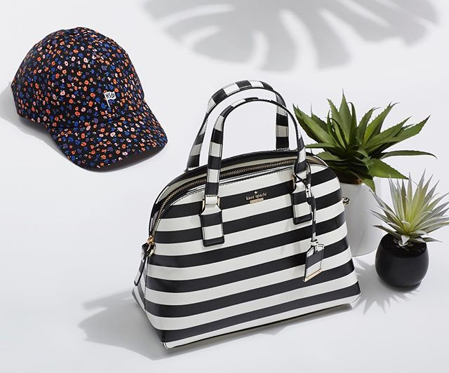 Summer accessories brought to you by @trunkclub ☀️🌴 • • • #trunkclubwomen #trunkclubchicago #summervacation #summeraccessories #katespade #hsco #palmtrees #chicagofashion #chicagstylist #chicagostylist #mystyle #ootd #accessories #productphotography
